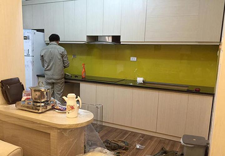 Tủ bếp gỗ xanh An Cường mặt cánh Acrylic AC02